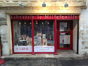1/1<br />Lettering for bookshop, Clamecy.